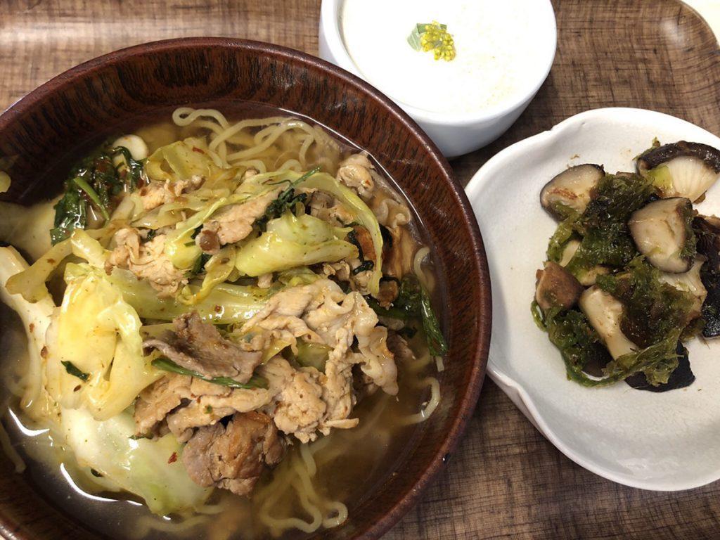 【野草料理】キムチラーメンとしいたけとあおさの醤炒め