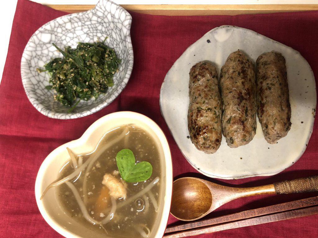 【野草料理】野草ソーセージと菜花と野草の胡麻和え!生姜酵母のトロトロスープ